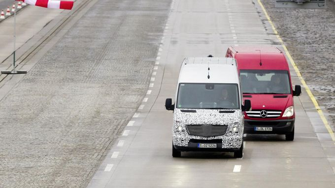 Mercedes-Benz, Spurhalteassistent, Vans, 2013, Produkteinführung