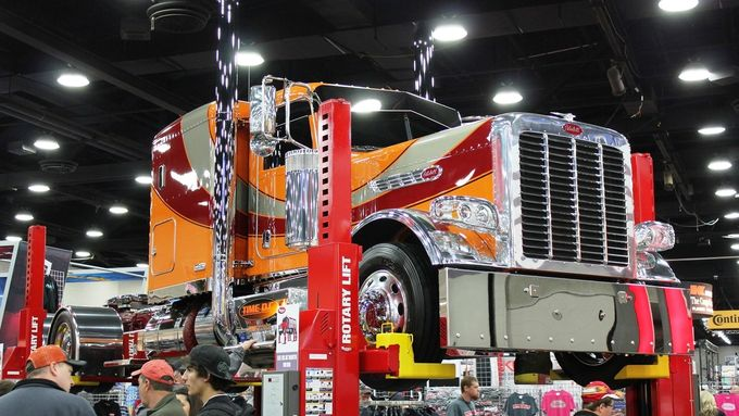 Mid-America Trucking Show 2015