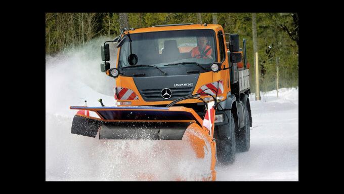 Schneefall sorgt für Verkehrschaos