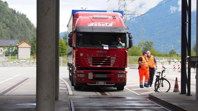 Schwerlastkontrolle in der Schweiz