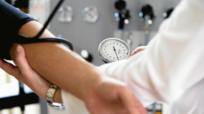 Arzt, Diagnose, krank, Blutdruck
