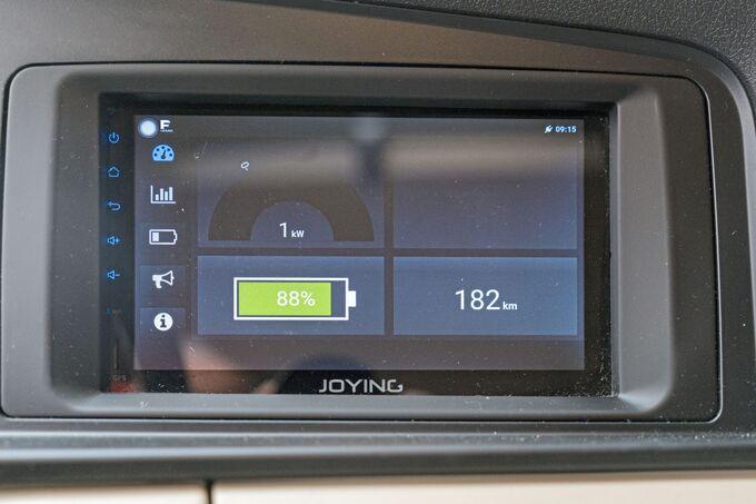 Bilder des Framo-E-Lkw bei der Scherm-Gruppe im Auftrag von BMW