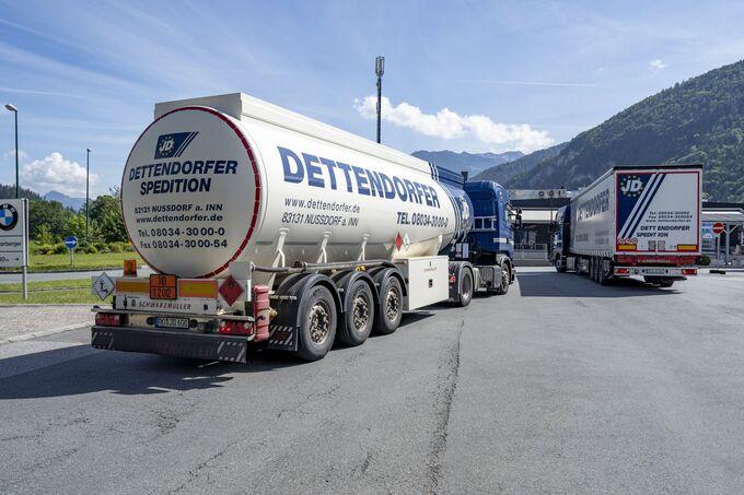 Dettendorfer Spezial Silotruck