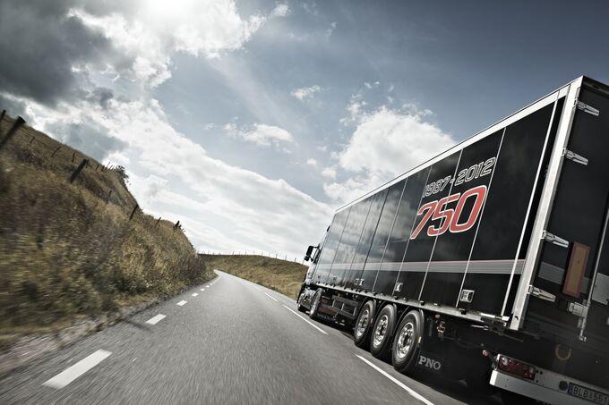 Entgegenkommende Scania-LKW