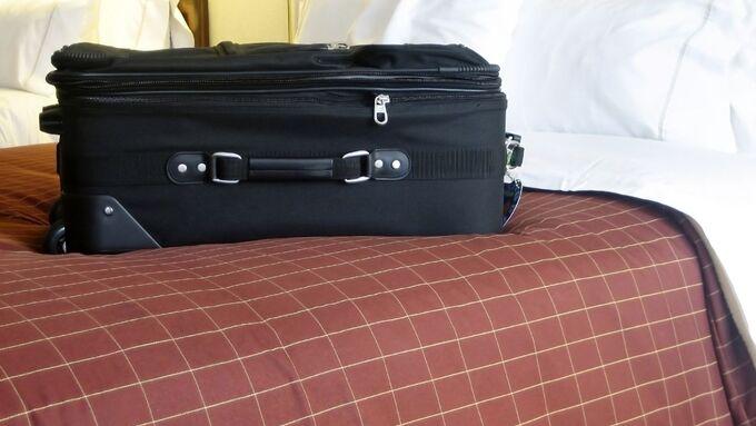 Koffer, Urlaub, Hotelzimmer