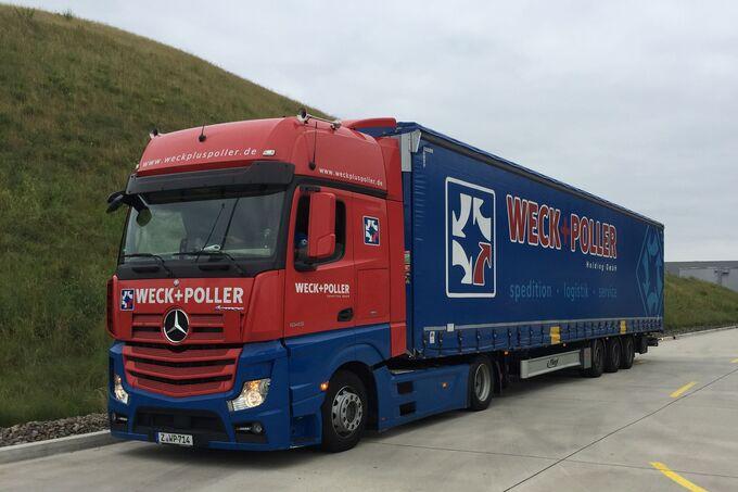 Mehr Volumen: Auch der kurze Lang-Lkw mit 17,80 Metern ist im Fuhrpark von Weck+Poller vertreten.
