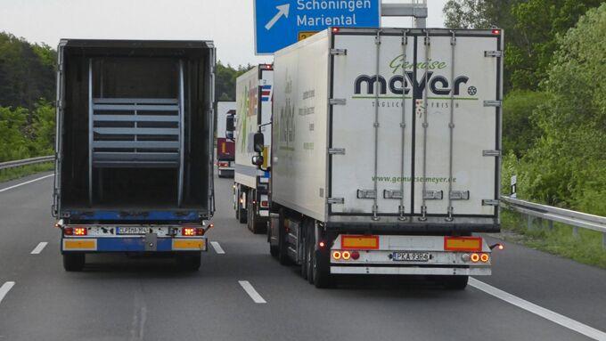 Unfall Unfälle Auffahr Stau Stauende Überholverbot überholen Autobahn gefährlich Lkw-Unfall Übermüdung