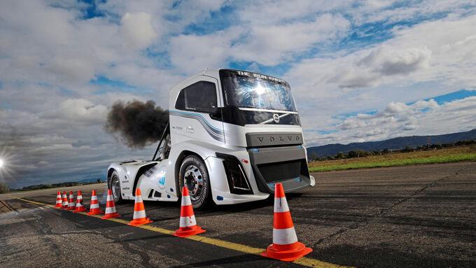 Volvo Trucks Iron Knight