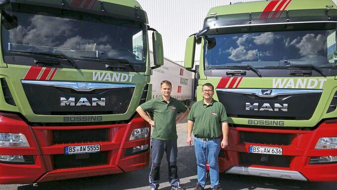 Wandt Spedition MAN 25 Jahre bei Wandt links Thomas Tomaszewski, rechts Ingo Seekircher